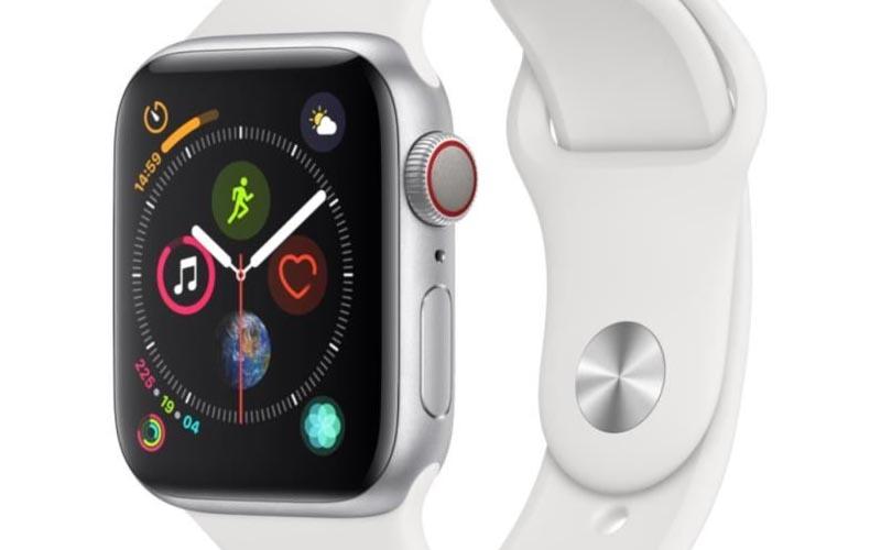 Une Apple Watch Series 4 en acier à 499 €