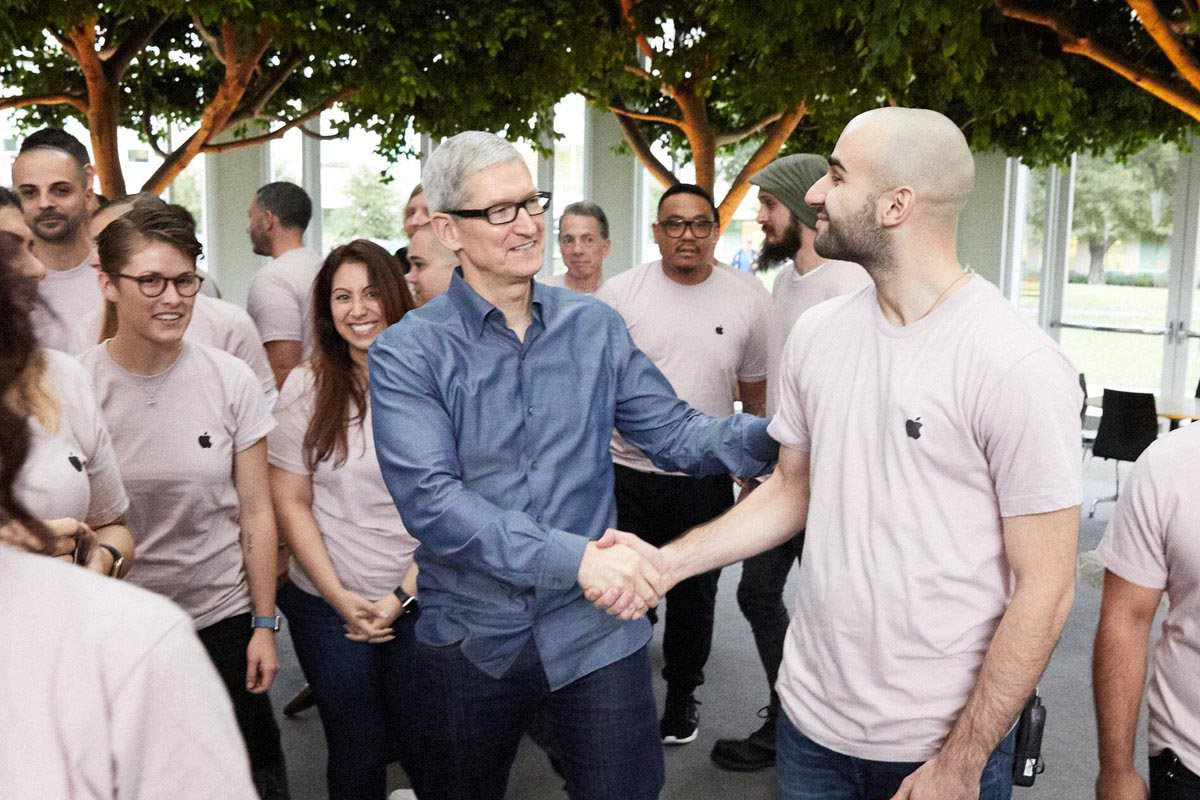 Tim Cook Hello Again