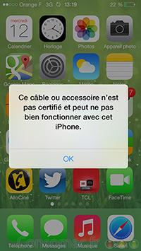 Faux câbles Lightning iOS 7