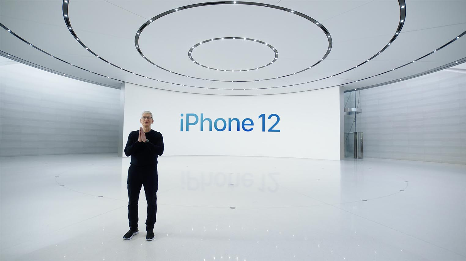 Tim Cook iPhone 12 présentation