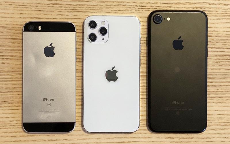 """L'iPhone 12 de 5,4"""" comparé aux deux tailles d'iPhone SE"""