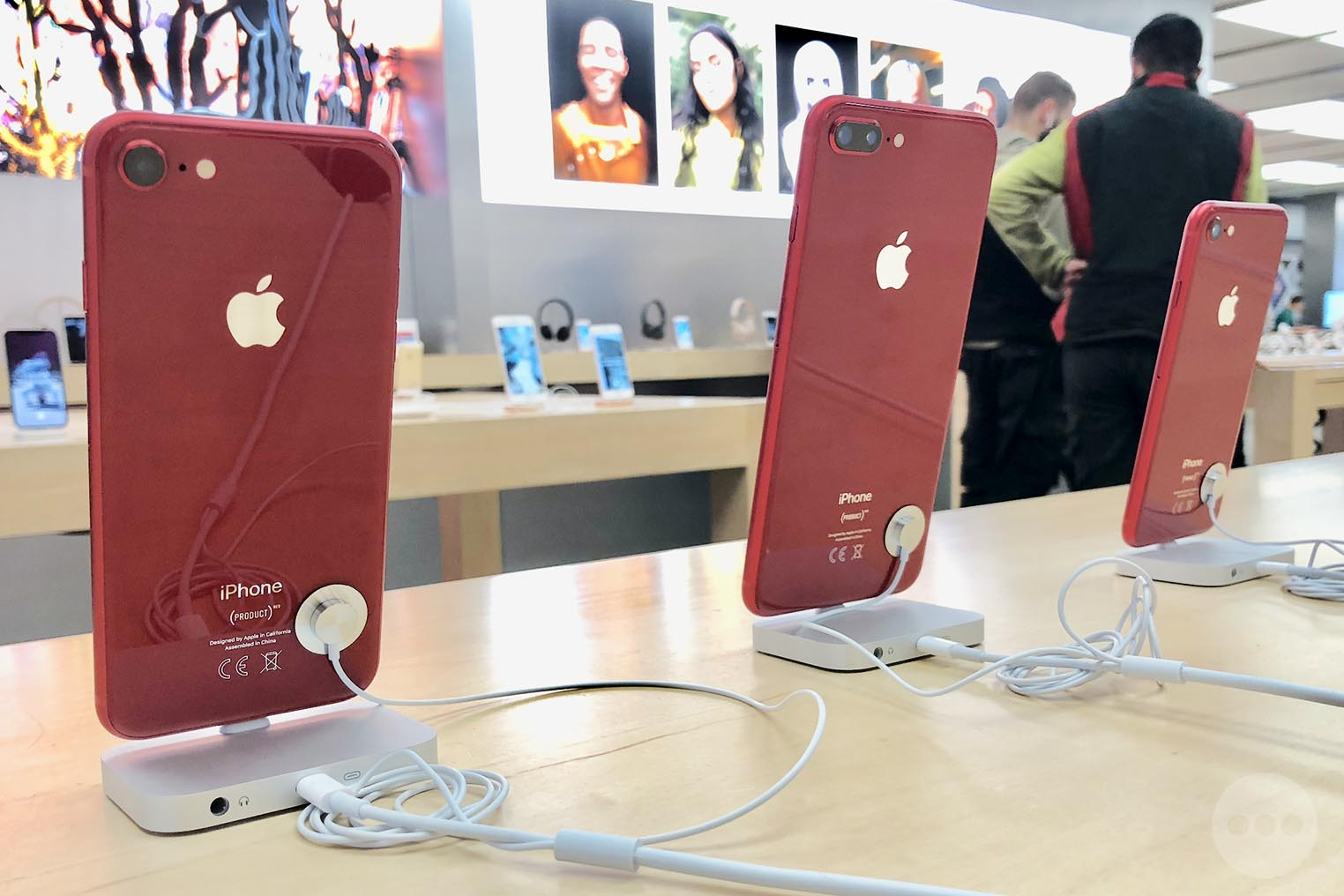 iPhone 8 rouge Apple Store