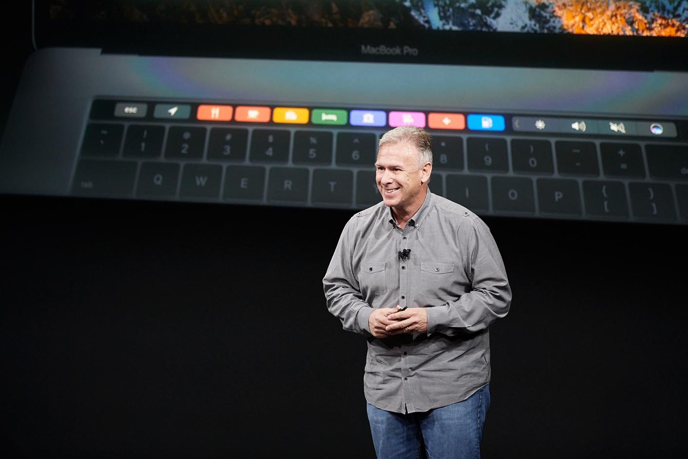MacBook Pro 2016 Phil Schiller