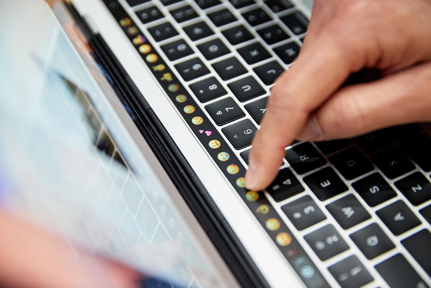 Phil Schiller MacBook Pro 2016