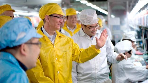 Tim Cook Foxconn usine