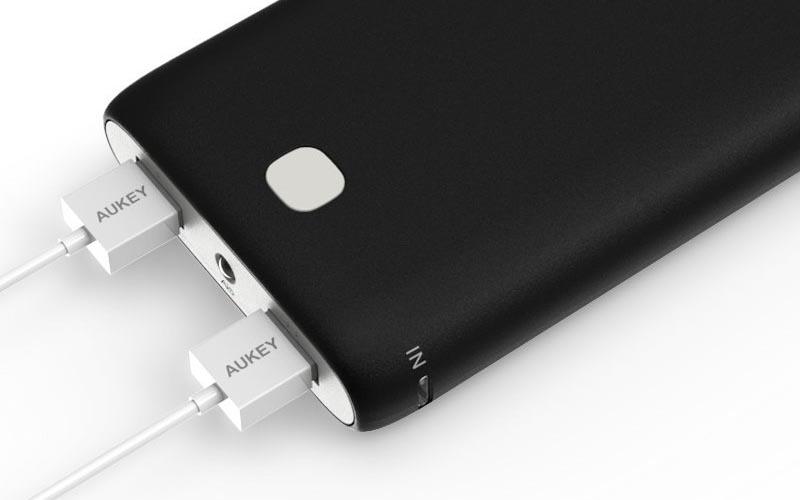 consomac des batteries externes pour iphone en promo. Black Bedroom Furniture Sets. Home Design Ideas